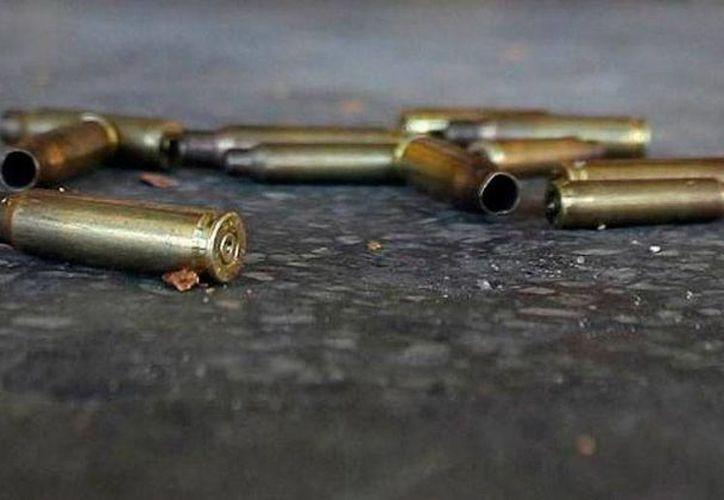 La policía encontró más de 100 casquillos percutidos, cerca de los cadáveres de 5 hermanos que fueron ejecutados, en Honduras. La imagen es de contexto y solamente ilustrativa. (Archivo/losgrillos.com)