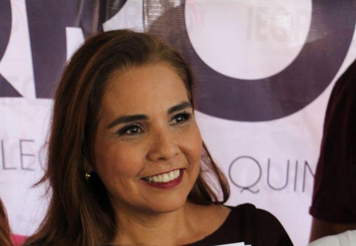 Mara Lezama se prepara con su equipo para la campaña electoral. (Redacción/SIPSE)