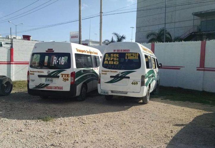 Las empresas de transporte pagarán una multa para recuperar los vehículos. (Tomás Álvarez/SIPSE)