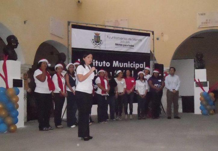 La regidora de la Comisión de Salud y Ecología del Cabildo, Mireille Morales Estrada, señaló la importancia de desarrollar la creatividad para tener una mejor calidad de vida. (SIPSE)