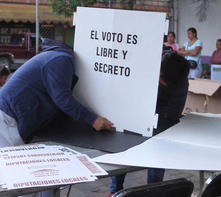Inicia el cierre casillas en 25 entidades de México