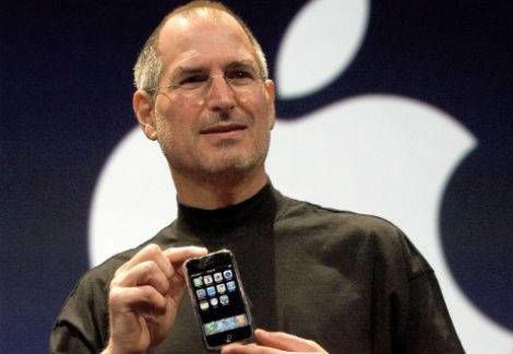 El lanzamiento del iPhone revolucionó la industria de la telefonía móvil con sus diversas innovaciones tecnológicas.(Archivo/AP)