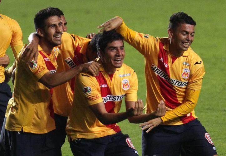 Álvaro Dávila, presidente de Monarcas, dijo que siguen reforzando al equipo para dar las satisfacciones que se merecen sus seguidores, como fue la obtención de la Copa MX. (Archivo Notimex)