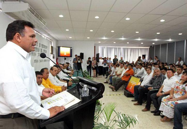 Zapata Bello presidió la presentación del calendario de quemas. (SIPSE)