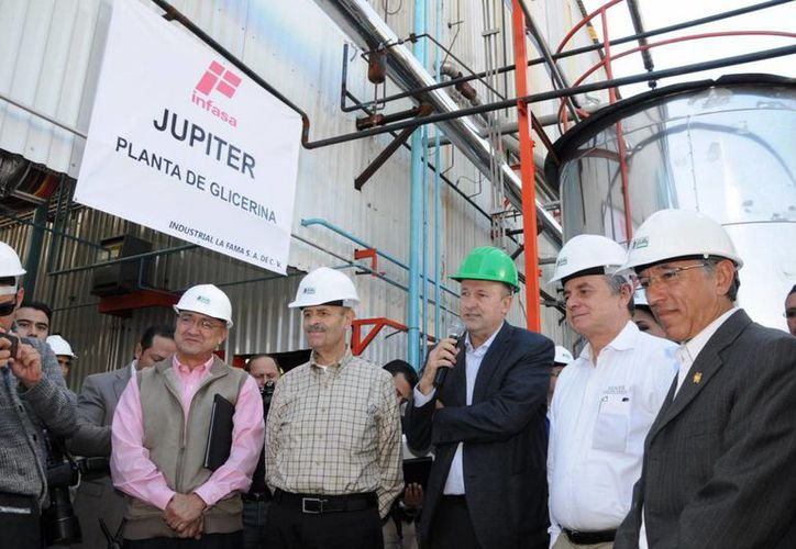 El titular de la Sener, Pedro Joaquín Coldwell, inauguró la planta de glicerina y ácidos grasos de Industrial La Fama, Infasa, en Morelia. (Notimex)