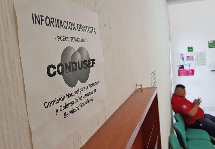 La Condusef indica que los bancos deben invertir más dinero en su seguridad. (Jesús Tijerina/SIPSE)