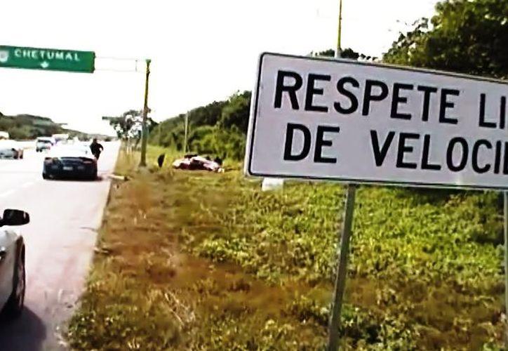 El cinturón de seguridad protege a la persona durante un accidente vehicular. (Rossy López/SIPSE)