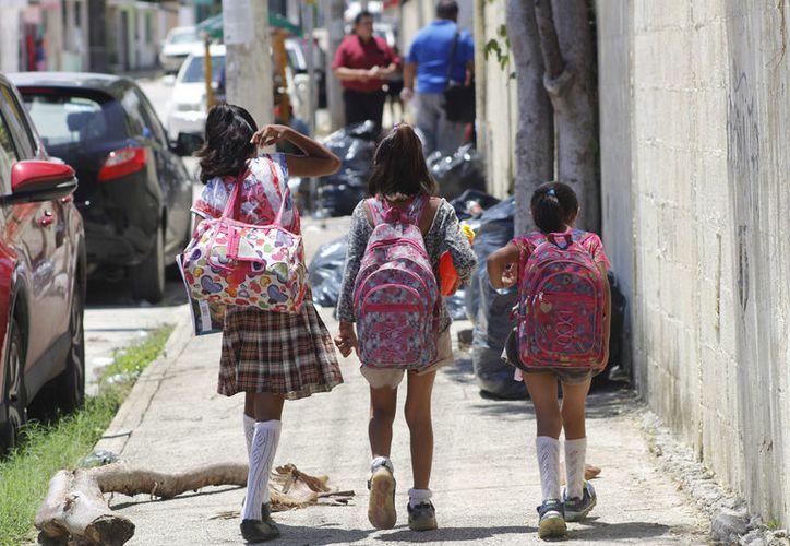 Cuando lleguen los uniformes empezarán a entregarse a los estudiantes de kínder, primaria y telesecundarias. (Foto: Jesús Tijerina)
