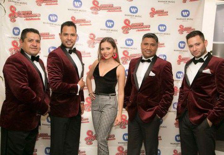 El grupo musical firmó el contrato discográfico con Warner Music. (soygrupero.com)