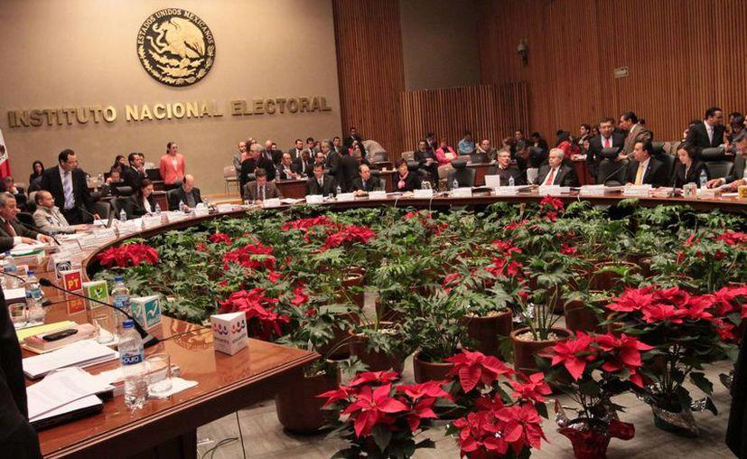 Aspecto de la última sesión del año del Consejo General del Instituto Nacional Electoral, ayer en la ciudad de México (Foto: Notimex)