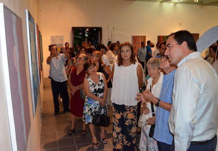 El artista habló sobre su obra, que se expone el el Museo de la Cultura Maya en Chetumal. (Redacción/SIPSE)