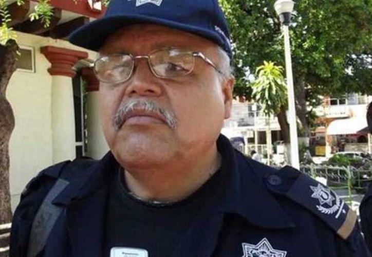 Felipe Flores, ex jefe policial de Iguala, fue detenido  en un operativo conjunto entre la Policía Federal, la Marina, el Ejército y el Cisen. (Noticieros Televisa)