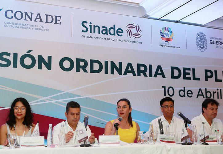 Ana Gabriela Guevara Espinoza presidió la reunión ordinaria del Sinade en Acapulco.
