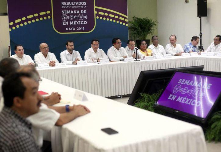 Funcionarios y empresarios dieron a conocer cifras de la Semana de Yucatán en México. (Amílcar Rodríguez/Milenio Novedades)