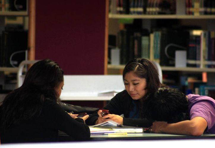 La propuesta busca prevenir el rezago educativo de la comunidad universitaria. (Archivo/SIPSE)
