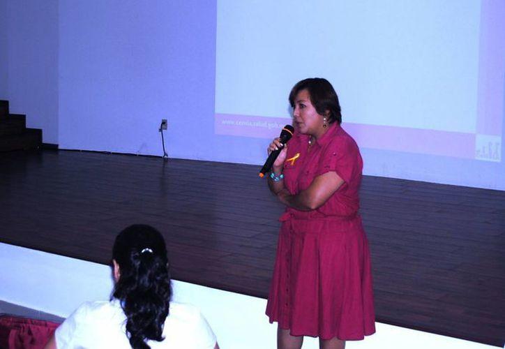 El tema fue expuesto por la doctora Mayra Ivette López Ruiz, oncóloga pediatra del Hospital de Especialidades Pediátricas de Tuxtla Gutiérrez. (Redacción/SIPSE)