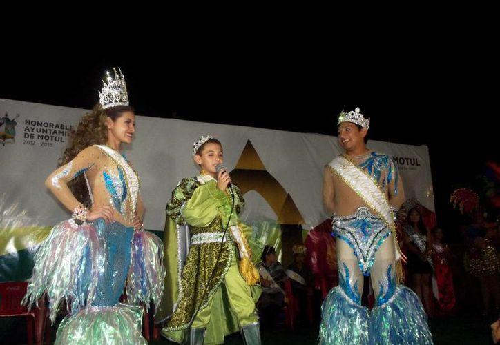 Los reyes del Carnaval de Mérida se sintieron muy a gusto en Motul. (SIPSE)