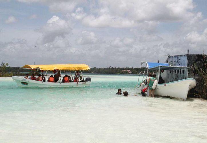 Siete embarcaciones bacalarenses serían beneficiadas mediante el subsidio. (Carlos Horta/SIPSE)