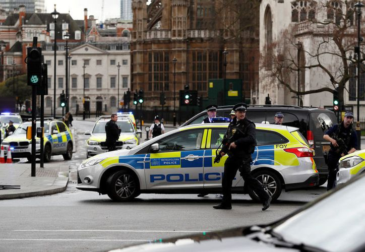 Aumenta la cifra de fallecidos en atentado en Inglaterra. (Reuters)