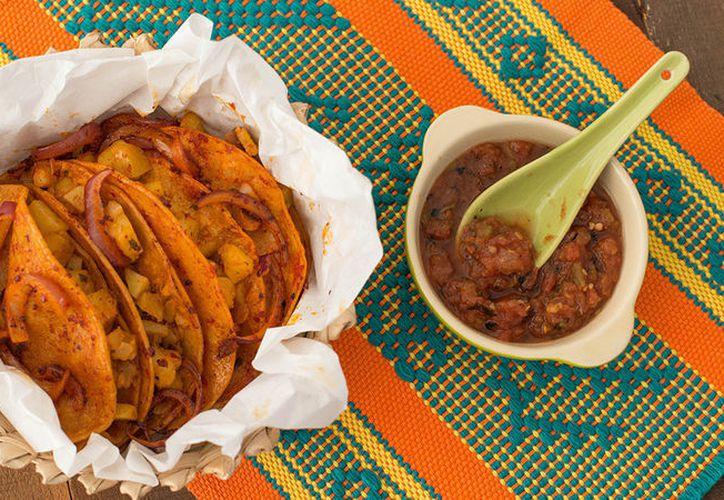 El estado de Tlaxcala es famoso por ser el lugar de origen de esta variedad de tacos. (tablespoon)