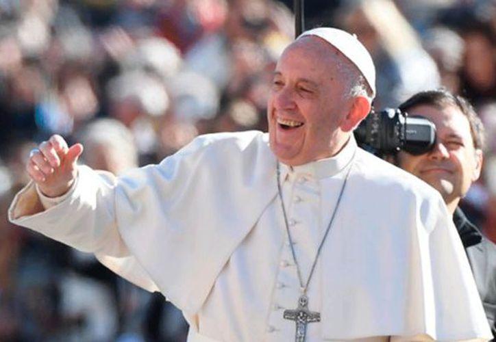 Papa Francisco señaló: 'el corazón no se puede 'photoshopear', porque ahí es donde se juega el amor verdadero, ahí se juega la felicidad'. (Contexto/ Internet)