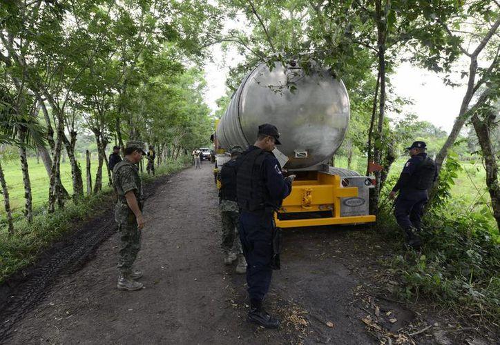 Se estima que las pérdidas de Pemex por robo de combustible ascienden a unos 40 mil millones de pesos. (Archivo/Notimex)