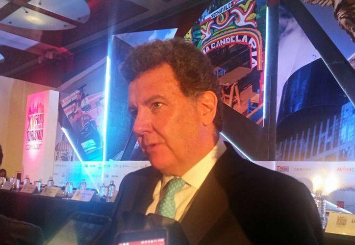 Pablo Azcárraga presentó propuestas en el Foro Nacional de Turismo. (Alejandro García/SIPSE)