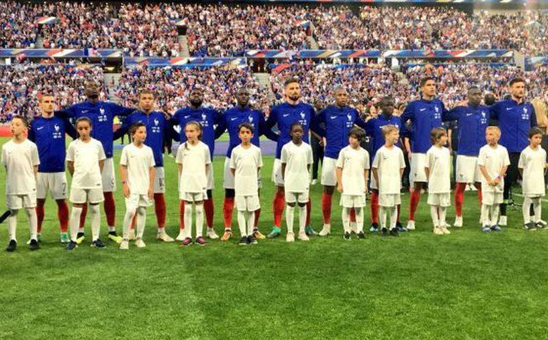 Mbappé abandonó el entrenamiento de Francia por una lesión al tobillo