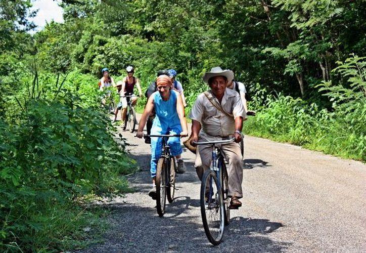 Turistas franceses conocerán la forma de vida de las comunidades. (José Acosta/SIPSE)