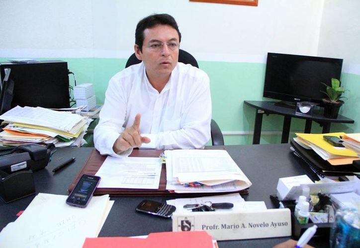 Mario Novelo Ayuso indicó que esta iniciativa pretende que el profesor vea la necesidad de mantenerse actualizado. (Milenio Novedades)