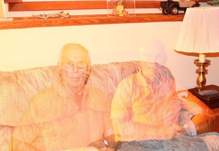 Tal vez el abuelo quería que su nieto y sus bisnietos lo visitaran en el panteón. (Jorge Moreno/SIPSE)