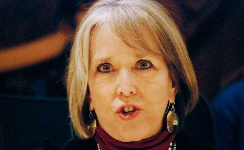 Michelle Lujan Grisham declaró que la crisis migratoria en la frontera es una 'farsa'. (Foto: EFE)