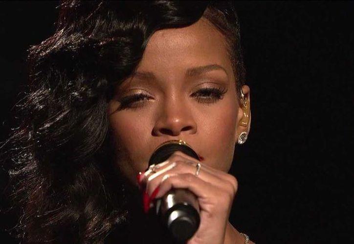 Rihanna se impuso como la Artista Femenina Internacional, por encima de Adele, Alicia Keys y Nicki Minaj. (Facebook)