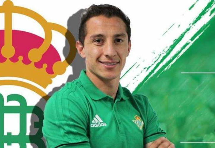"""Andrés Guardado jugará con la camiseta """"10"""" en el Betis. (Contexto/Internet)."""