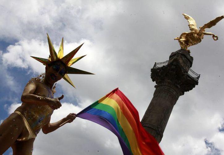 """El sacerdote Carlos Aguilera Aguilera dice que que ya hay en Piedras Negras, Coahuila, cinco """"médicos alternativos"""" que conocen y aplican el tratamiento  para 'curar' la homosexualidad. Imagen de contexto, solo para fines ilustrativos. (Archivo/Notimex)"""