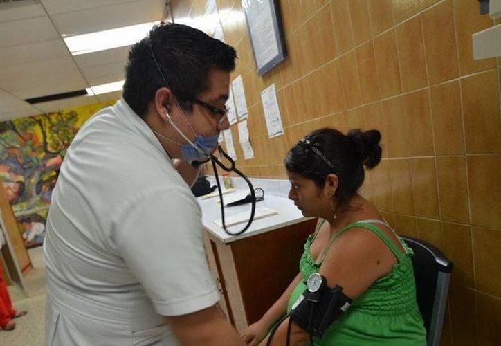 El Seguro Popular garantiza la cobertura médica a las mujeres embarazadas. (Redacción/SIPSE)