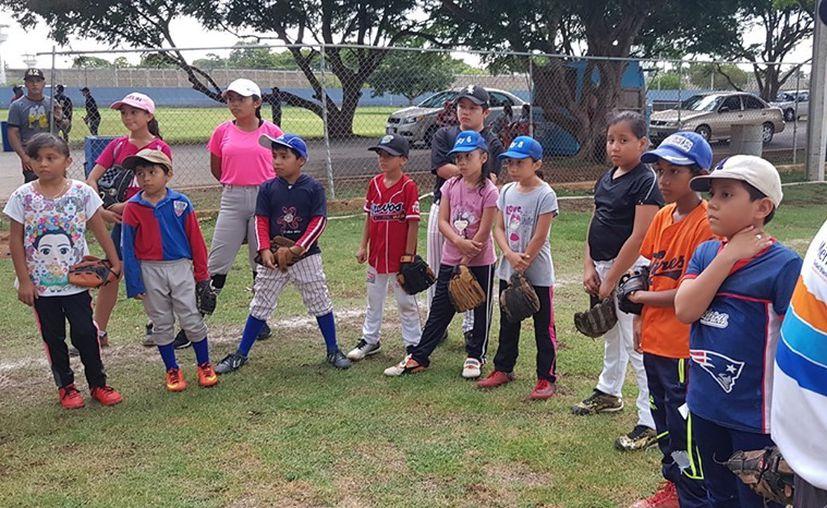 Los niños lucieron muy atentos a las clases. (Foto: Novedades Yucatán)