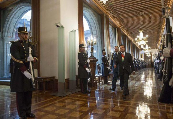 Diputados avalaron que el día 11 se aborde en la glosa del Segundo Informe de Gobierno de Enrique Peña Nieto, la Política Interior y Exterior de México. (presidencia.gob.mx)