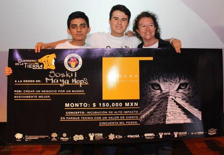 Yucatán representó al 78% de los proyectos presentados en el  concurso Guerreros de la Tierra. En la foto, uno de los grupos ganadores. (Fotos: cortesía del Gobierno estatal)