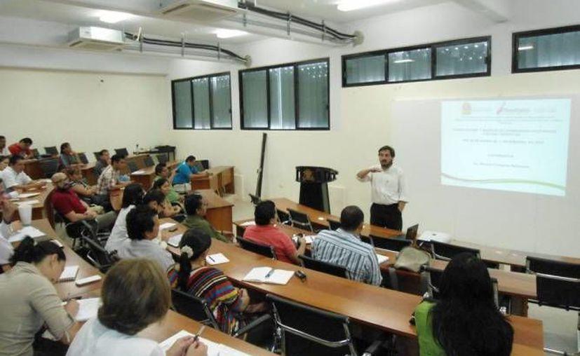 Los talleres serán ofrecidos a para Mipymes de Cancún que quieran mejorar su competitividad. (Imagen de archivo)
