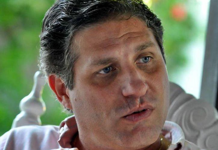 Arturo López-Levy, directivo de la entidad Cuban Americans for Engagement, aseguró que el embargo afecta a la sociedad cubana, no al gobierno de Raúl Castro. (EFE/Archivo)