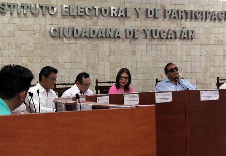 El Iepac también aprobó por unanimidad nuevos lineamientos en materia de transparencia para acatar la reciente entrada en vigor de la Ley de Transparencia y Acceso a la Información Pública del Estado de Yucatán. (Milenio Novedades)