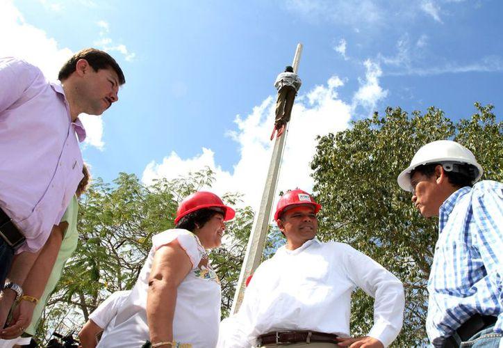 El Gobernador atestiguó el arranque de los trabajos de ampliación de redes eléctricas en zonas con alto rezago social. (Cortesía)