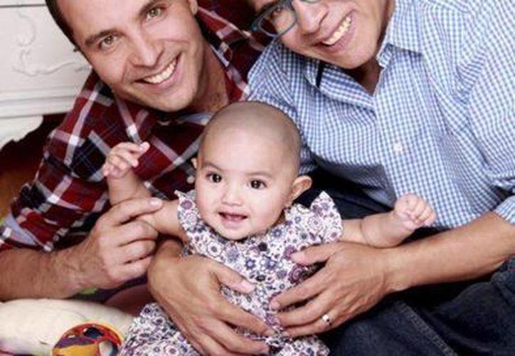 Jaime Morales, su hija Alejandra y Nájera. (Tomada de Facebook/Club de fans Felipe Nájera)