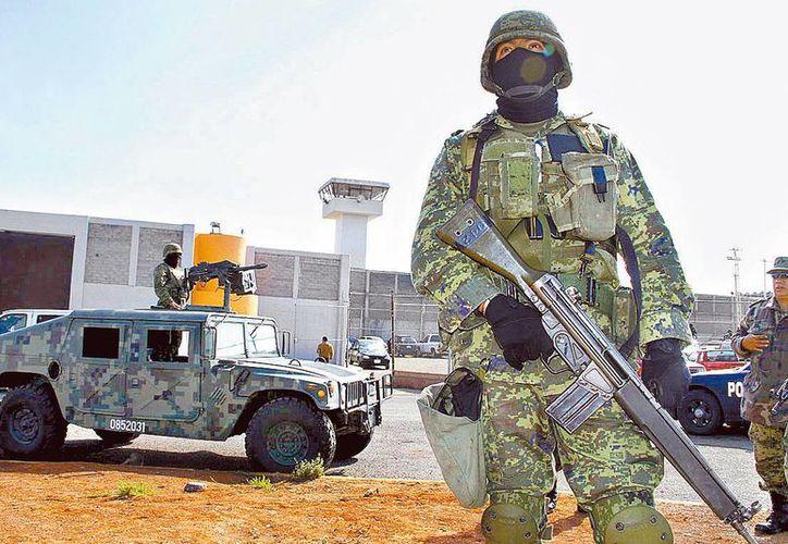 El tema de la seguridad es uno de los que más ha pesado en el ánimo de los mexicanos, según Consulta Mitofsky. (Agencias)