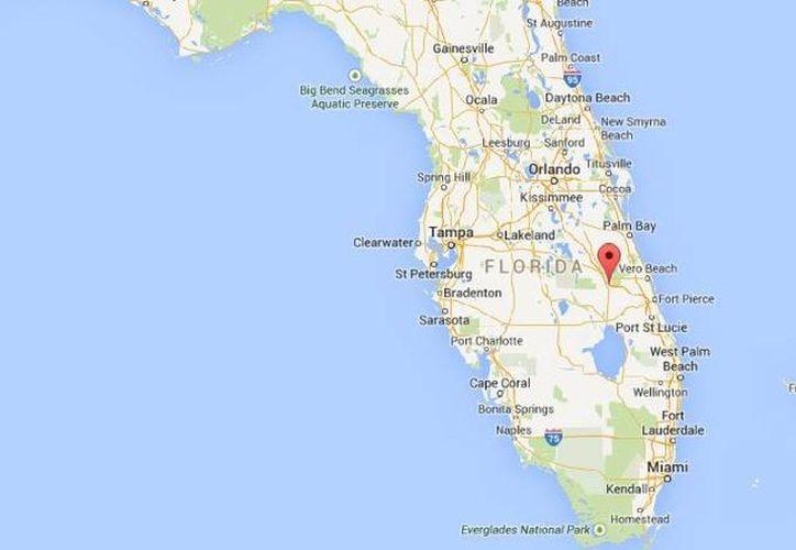 La camioneta accidentada en la carretera de Turnpike, Florida, transportaba 12 personas: tres murieron y seis no llevaban puesto el  cinturón de seguridad. (Google Maps)
