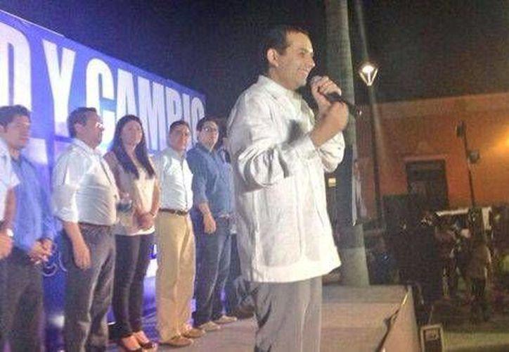 Ernesto Cordero estuvo el jueves de gira por Campeche. (Twitter.com/@ErnestoCordero)