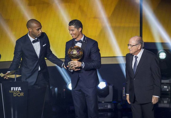 Cristiano Ronaldo, vigente ganador del Balón de Oro, sí podrá jugar contra Eibar para tratar de ayudar a Real Madrid a recortar distancias respecto al líder Barcelona en la Liga de España. (Foto: Notimex)