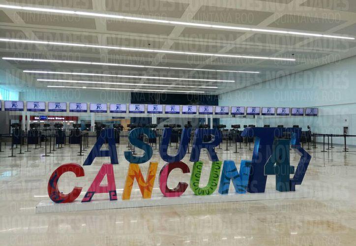 Ultiman algunos detalles en las instalaciones de la terminal. (Israel Leal/SIPSE)