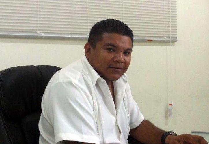 Arturo Quezada Peche, director de Ecología del Ayuntamiento de Progreso, fue despedido a causa de las quejas de varios regidores. (Gerardo Keb/SIPSE)